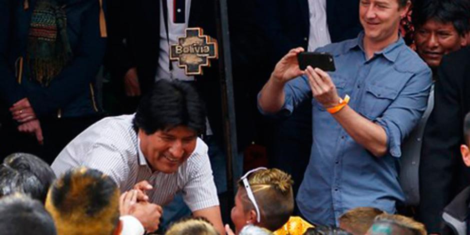 Fascina Carnaval de Oruro a Edward Norton