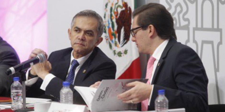 No estamos discutiendo la propiedad de los terrenos del AICM, señala Mancera