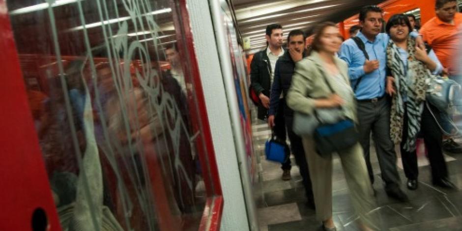 Persona corriendo en vías de la Línea 3 afecta servicio del Metro