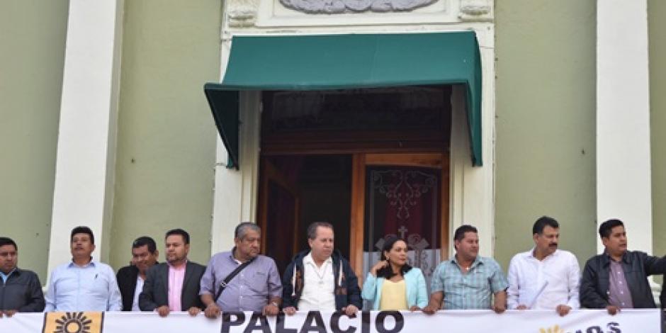 Alcaldes en Veracruz rechazan recursos para municipios por periodos