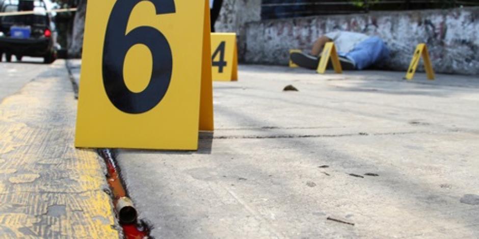 Balacera frente a secundaria de Oaxaca deja un muerto