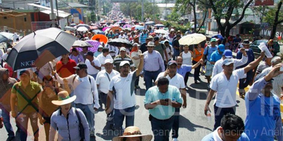 Sección 22 realiza marcha por Día del Trabajo