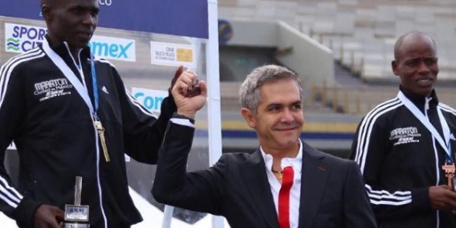 Mancera reporta saldo blanco tras Maratón de la CDMX