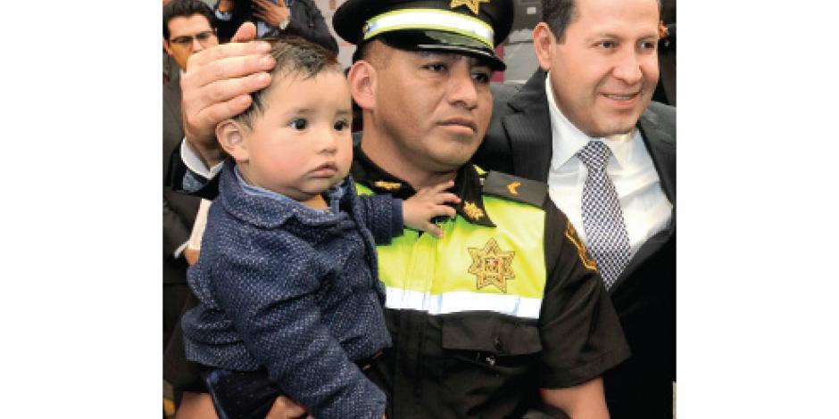 Busca Eruviel hacer ley apoyos a policías