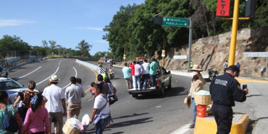 Empresarios piden cortar de tajo el conflicto de la CNTE