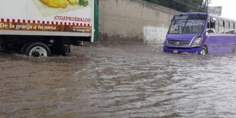 Fuertes lluvias causan inundaciones en Puebla