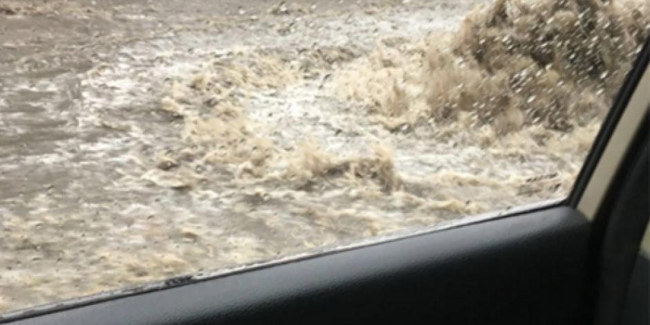 Lluvias dejan severos encharcamientos en la CDMX