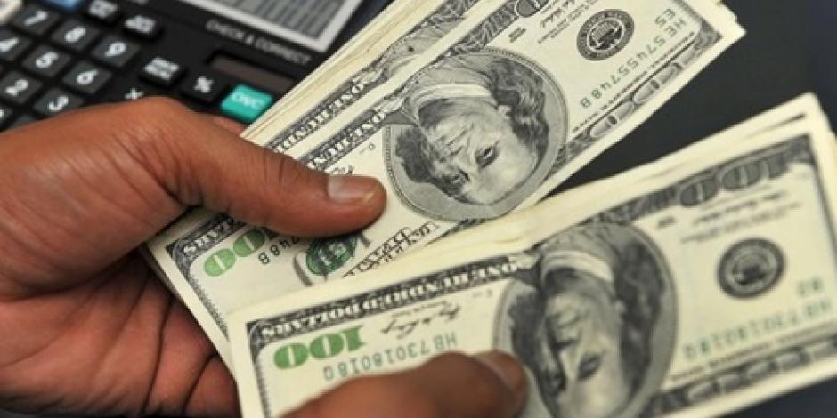 Persiste baja en el dólar; cotiza en 19.11 pesos