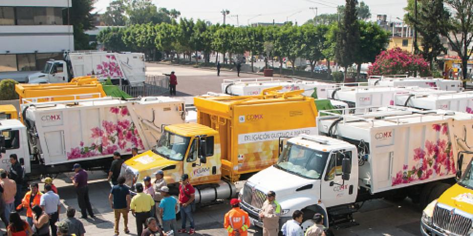 Entrega GAM 24 camiones de basura nuevos