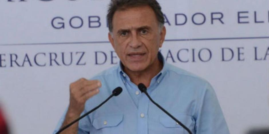 Primeros pagos a maestros de Veracruz saldrán el 15 de diciembre, asegura Yunes