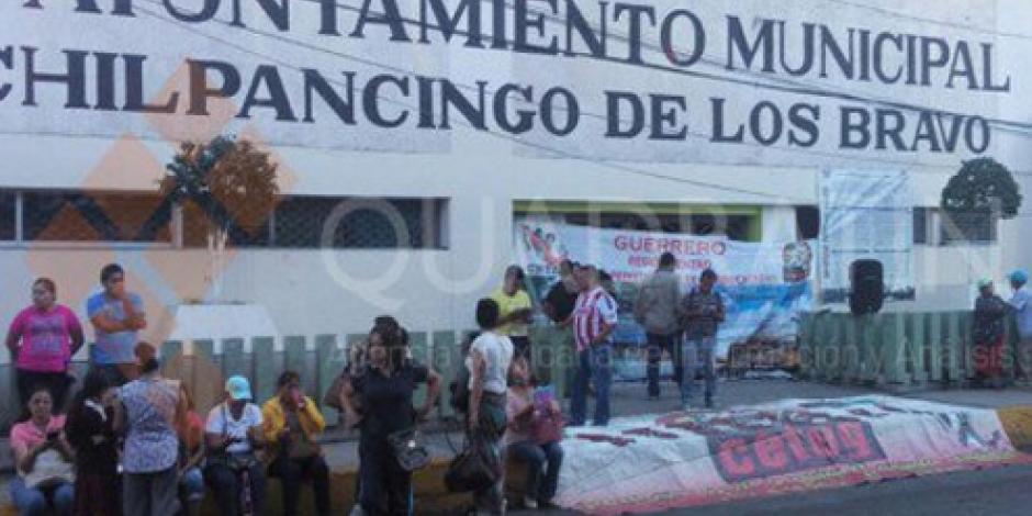 CETEG desaloja a empleados de alcaldía de Chilpancingo