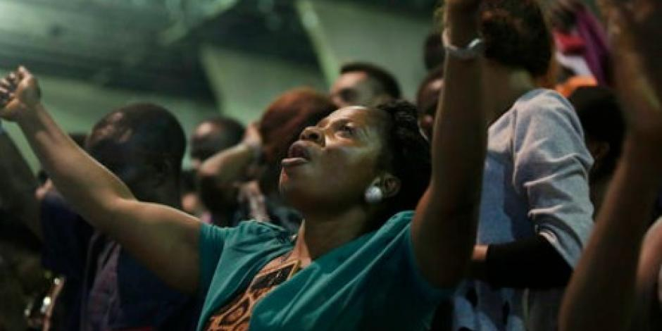 Mueren 60 fieles al derrumbarse techo de iglesia en Nigeria