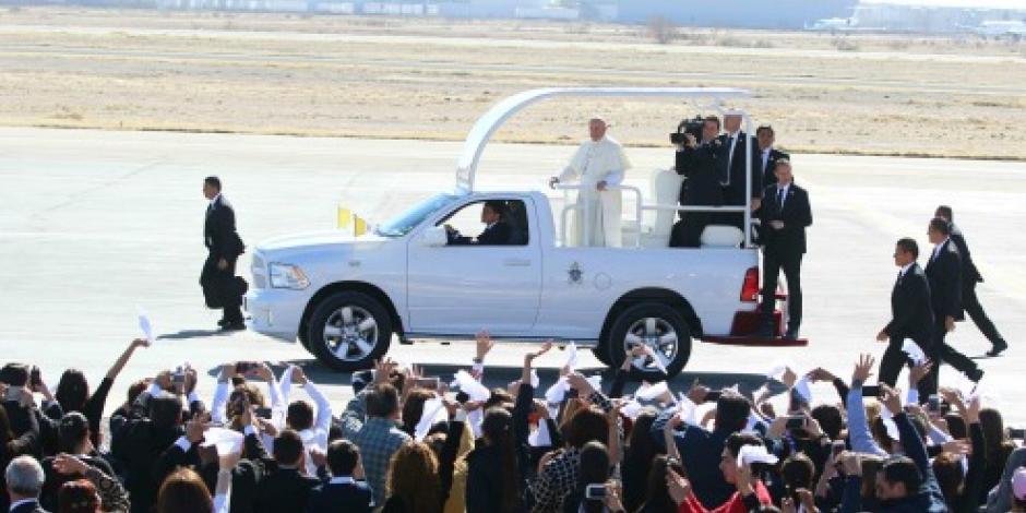 FEBRERO: Papa regaña a obispos durante su visita a México