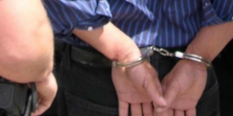 Dan formal prisión a maestro que violó a alumna en preparatoria