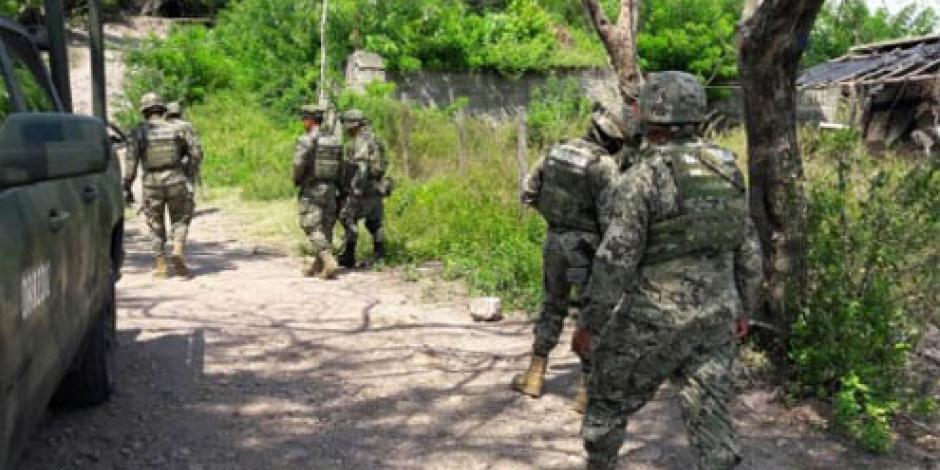 Reportan enfrentamiento entre militares y criminales en Lázaro Cárdenas