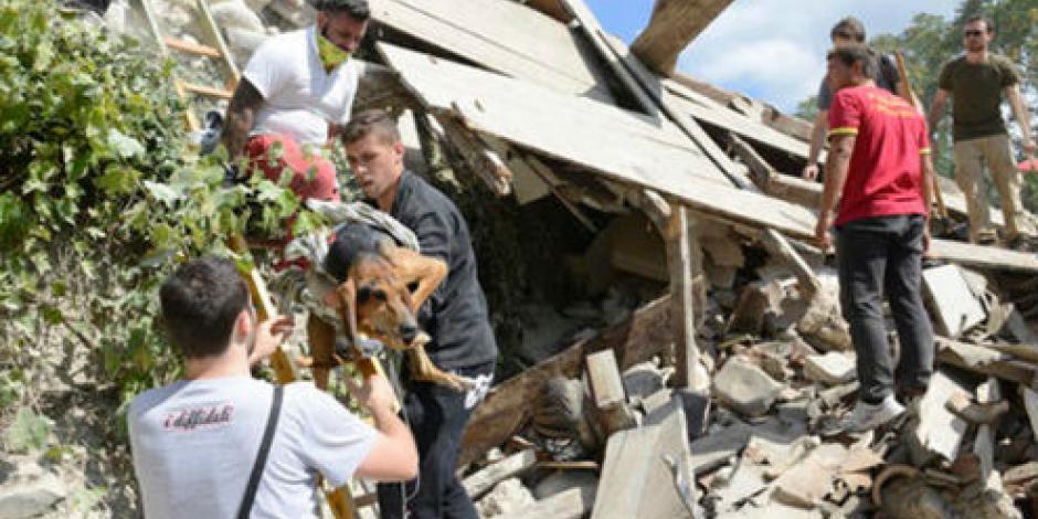 Suman 159 muertos por sismo en Italia