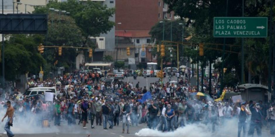 Hieren a manifestantes en protestas a favor de referendo contra Maduro