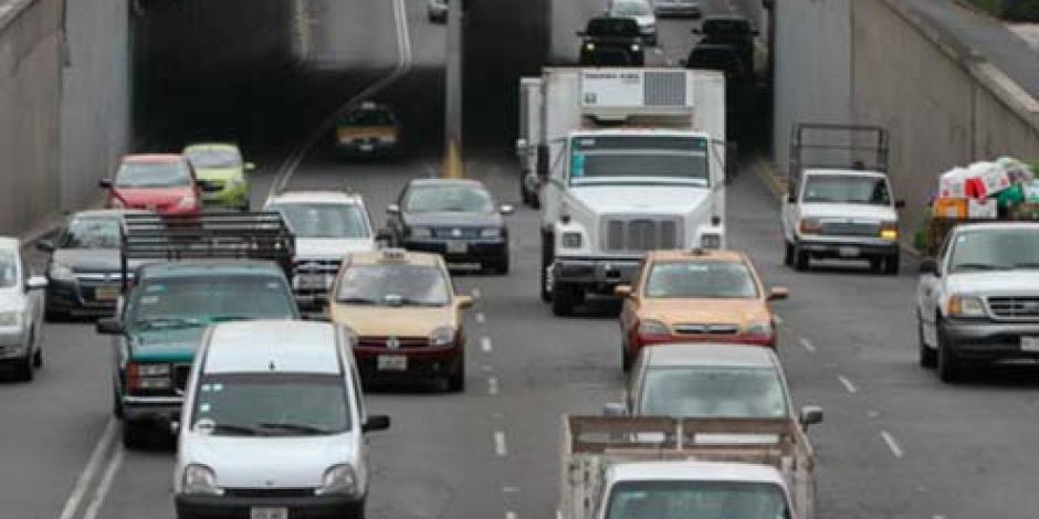 Entregan 65 mil firmas para consulta sobre reglamento de tránsito