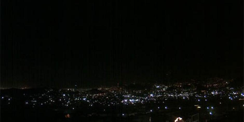 Fuertes vientos en Monterrey dejan a más de 5 mil usuarios sin luz