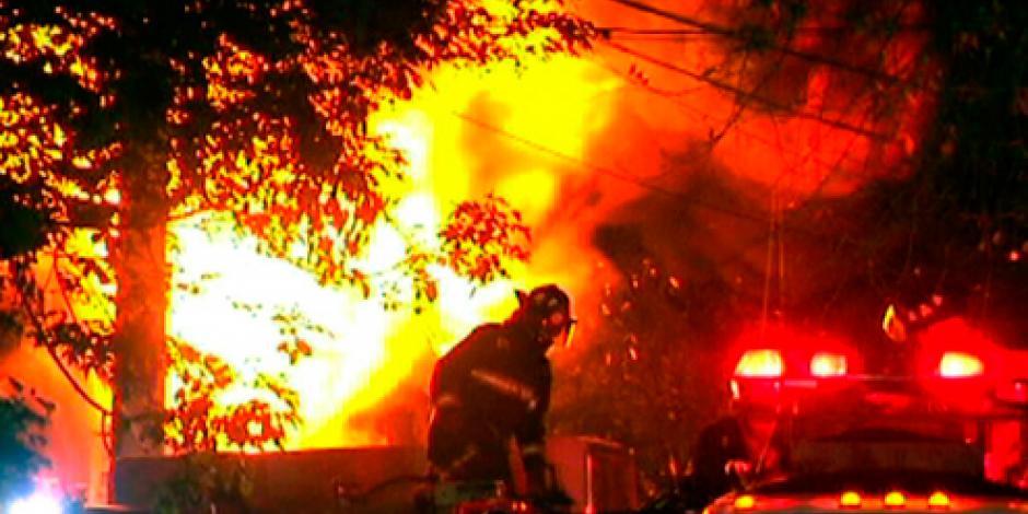 Incendio en la Cuauhtémoc provoca el desalojo de 200 personas