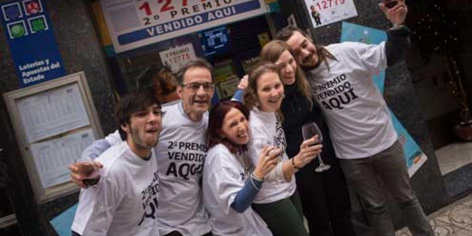 Anuncian ganadores de la Lotería Nacional en España