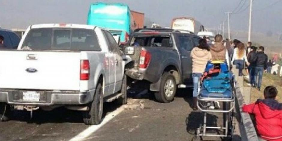 Mueren cinco personas tras carambola en el Circuito Exterior Mexiquense