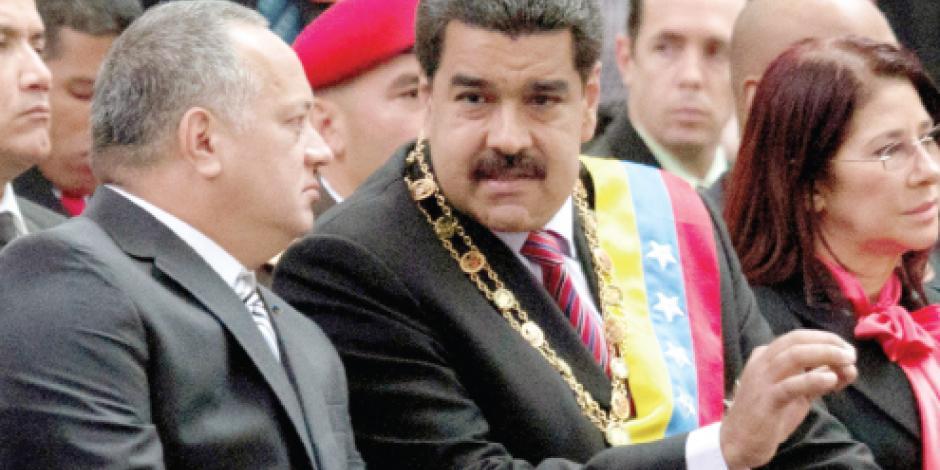Maduro se adelanta y resta poderes a la nueva Asamblea