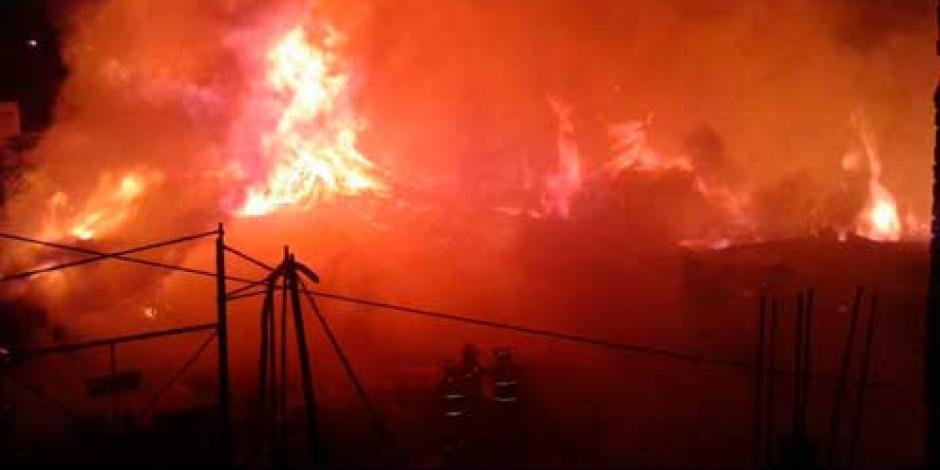 Reportan incendio controlado en Iztapalapa