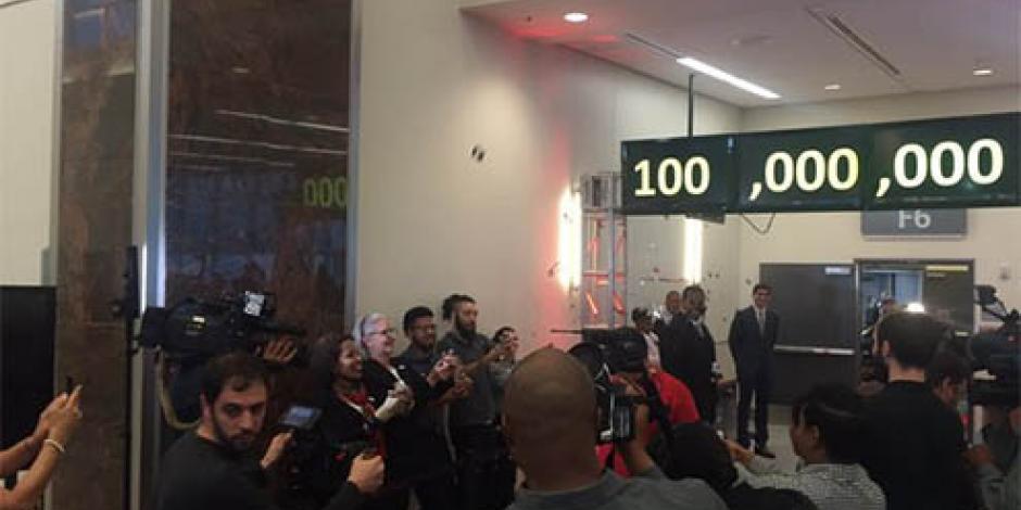 Aeropuerto de Atlanta recibe al pasajero número 100 millones