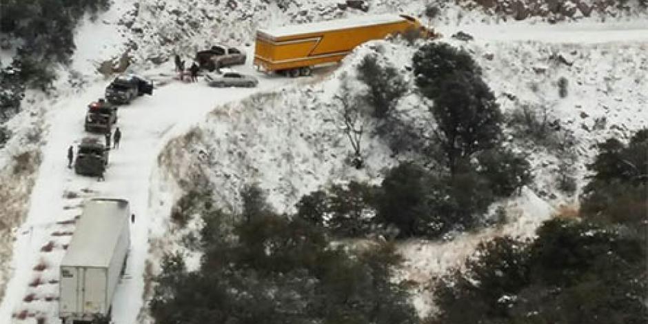 PF alerta por nevadas en el norte de México; cierran carreteras