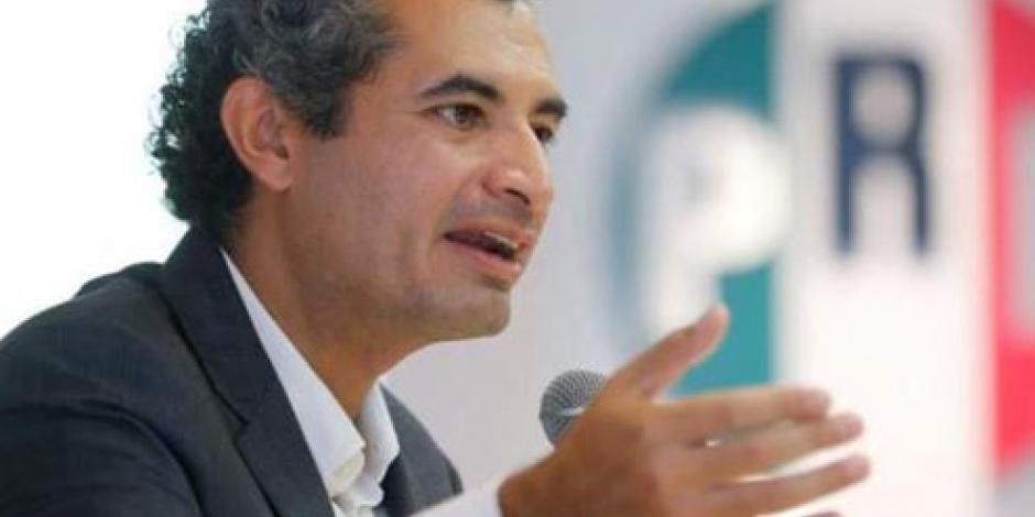 PRD pide a Josefina declinar por AMLO