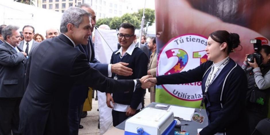 Maestros de Oaxaca dejan sin clases a un millón de niños