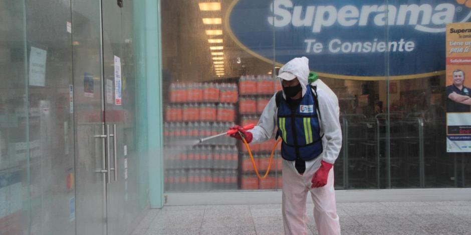 Sanitización de espacios públicos en la alcaldía Benito Juárez