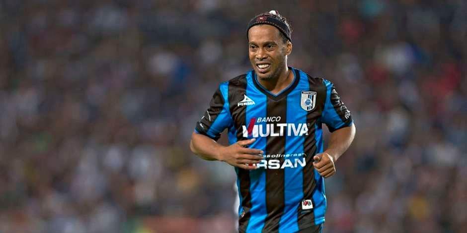 Ronaldinho felicita al Querétaro por su 70 aniversario