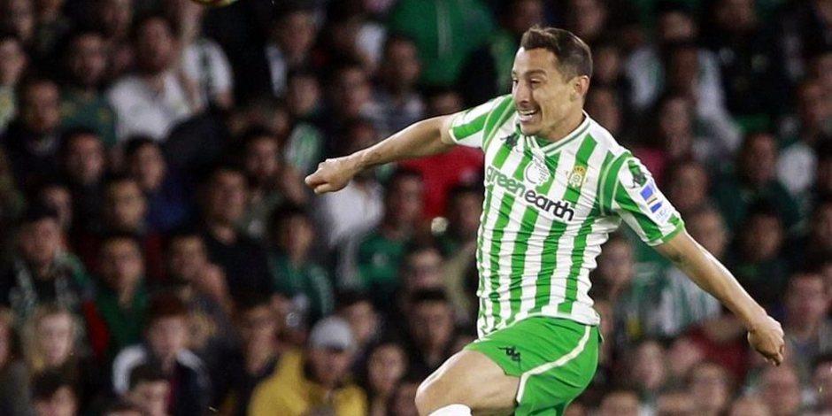 Andrés Guardado se rompe el isquiotibial en el partido contra el Atlético de Madrid