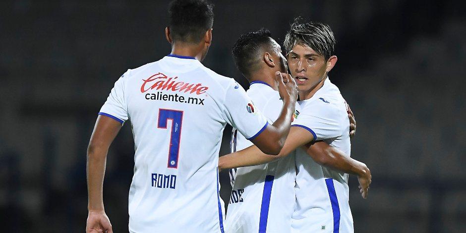Cruz Azul golea al América y asegura el liderato en la Copa por México