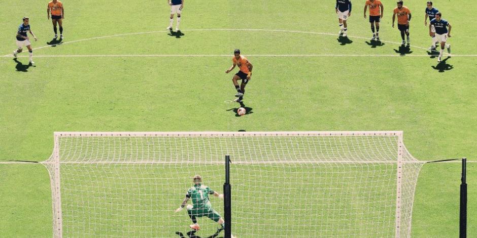 Raul Jimenez Premier League Europa Wolves Everton Penalti Lobo