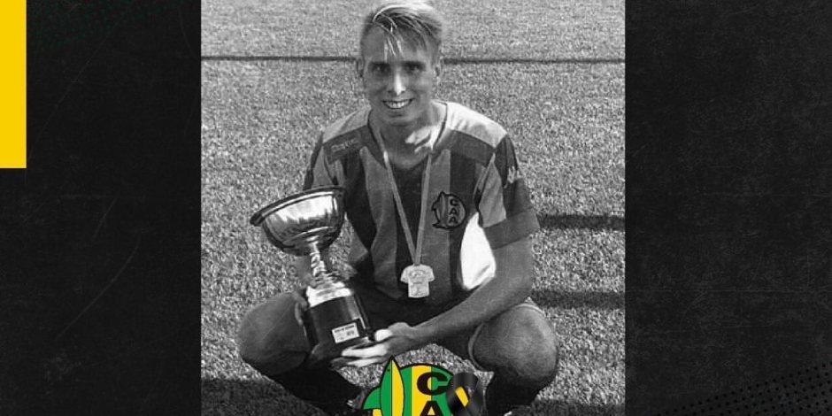 Futbolista se suicida tras quedarse sin equipo para jugar