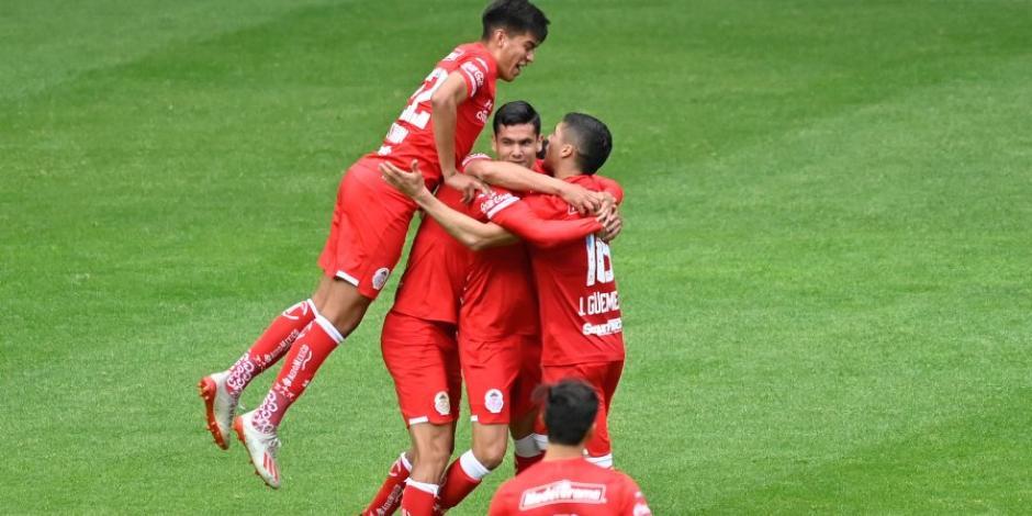 Toluca derrota a Chivas y asalta el liderato del Guard1anes 2020 (VIDEO)