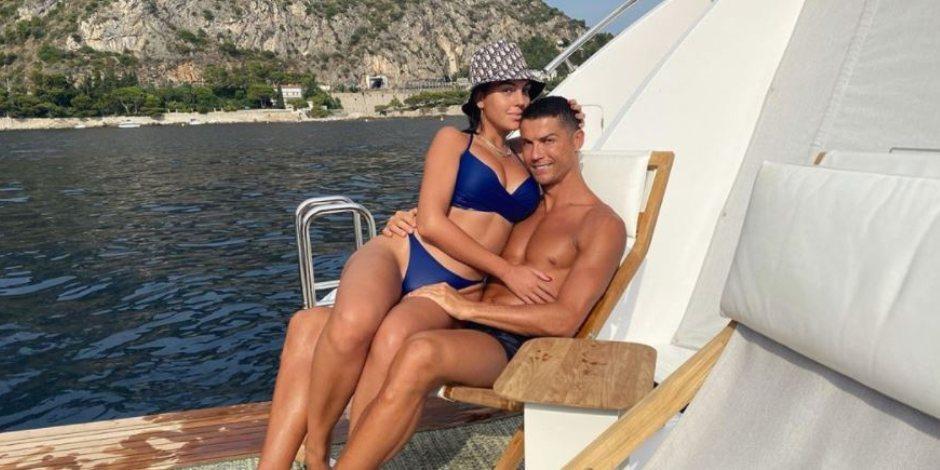 Esposa de Cristiano Ronaldo muestra sus atributos con diminuto bikini (VIDEO)