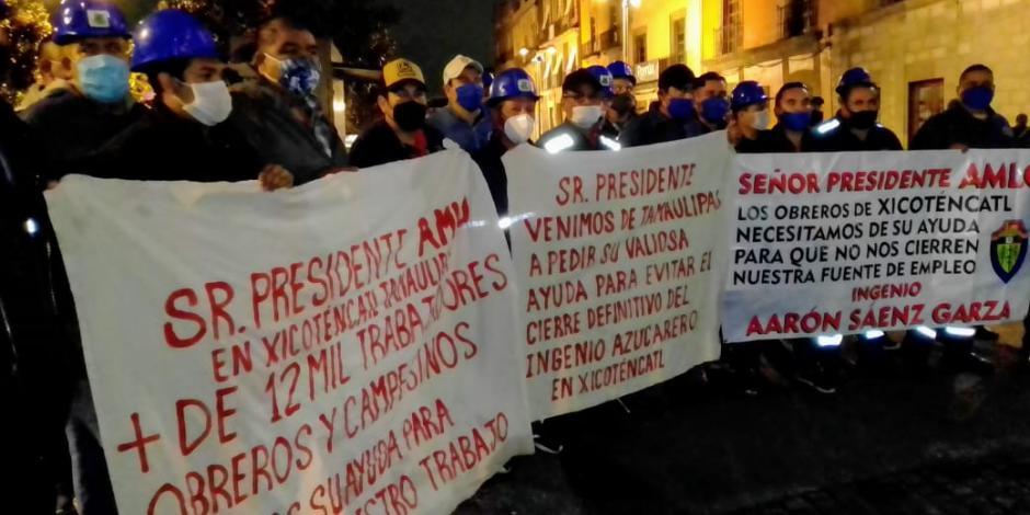 Mamifestantes-Palacio Nacional-el 7 de septiebre