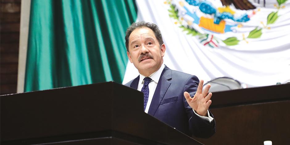 El legislador Ignacio Mier, en tribuna en San Lázaro, en octubre pasado.
