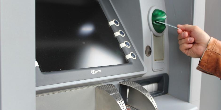 Ricardo Monreal-cajeros automáticos-créditos-bancos-dinero-economía-abm