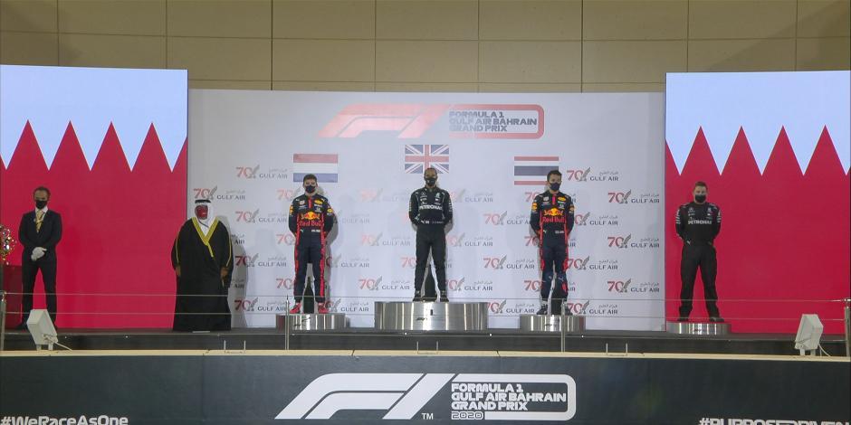 Fórmula 1: Lewis Hamilton se lleva un accidentado Gran Premio de Baréin (VIDEO)