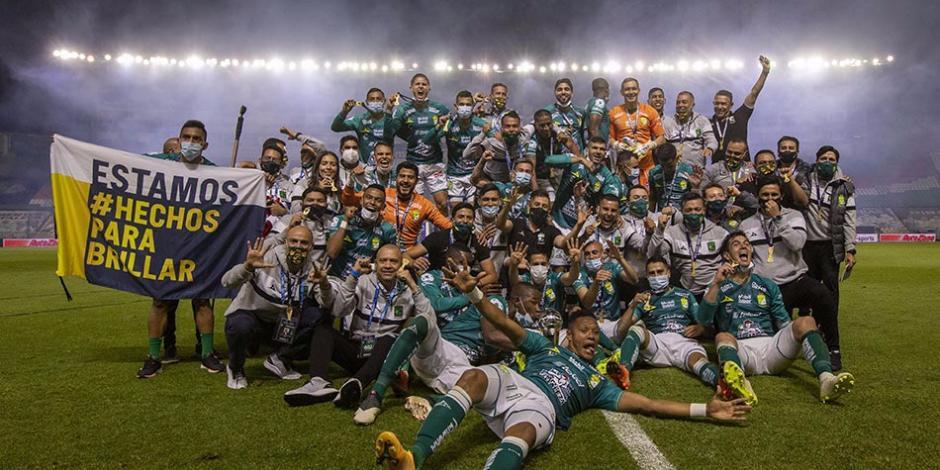 León vence a Pumas y levanta el octavo título en su historia (VIDEO)