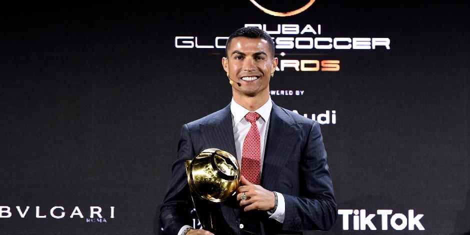 Cristiano Ronaldo gana el premio al mejor futbolista del Siglo XXI