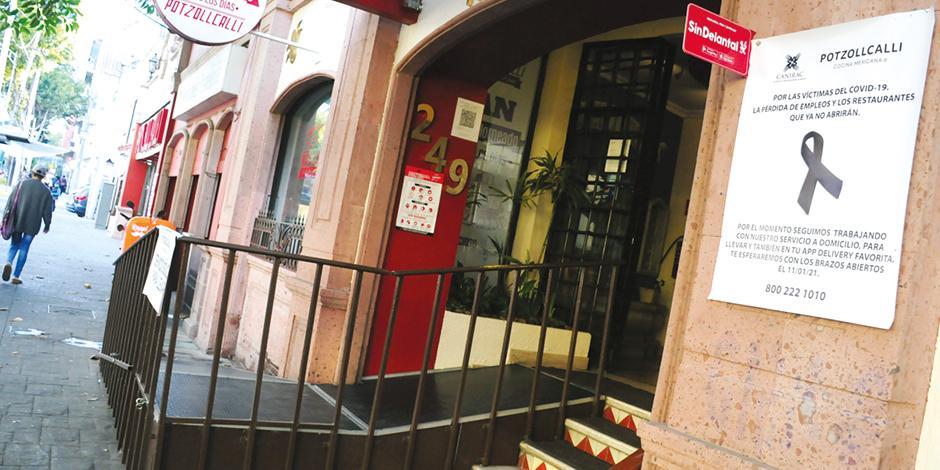 El restaurante Potzollcalli lamenta las defunciones y el quiebre de negocio a causa de la emergencia sanitaria, ayer.