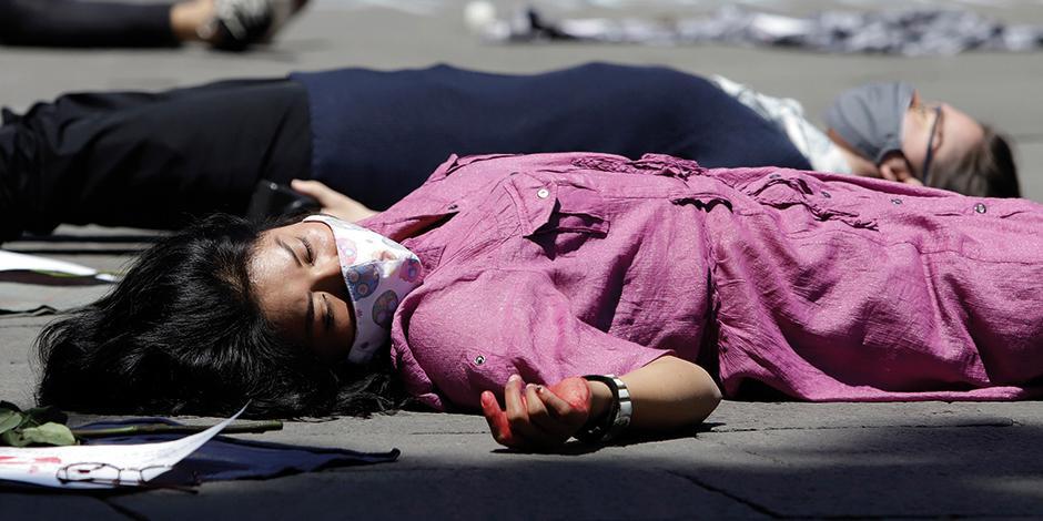 Activistas se manifiestan contra la violencia machista, en Puebla, en junio pasado.