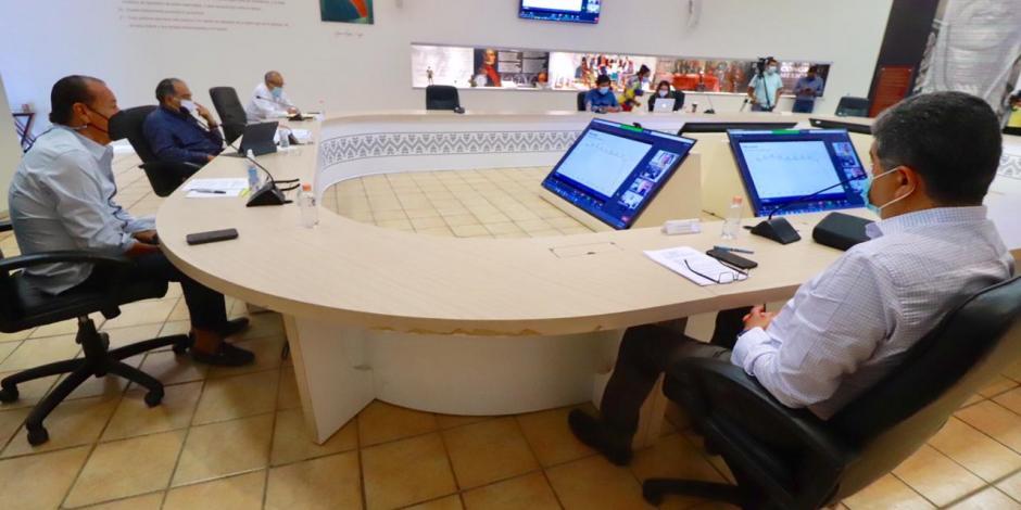 Gobernador Héctor Astudillo en reunión virtual