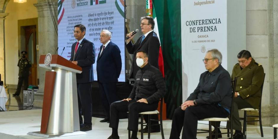 El canciller Ebrard detalló que los contratos firmados por México con AstraZeneca con quien se tienen contratadas 77.4 millones de dosis,